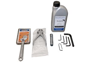 Arc528E Toolkit-Export - containing essential maintenance tools and Lubricating Oil